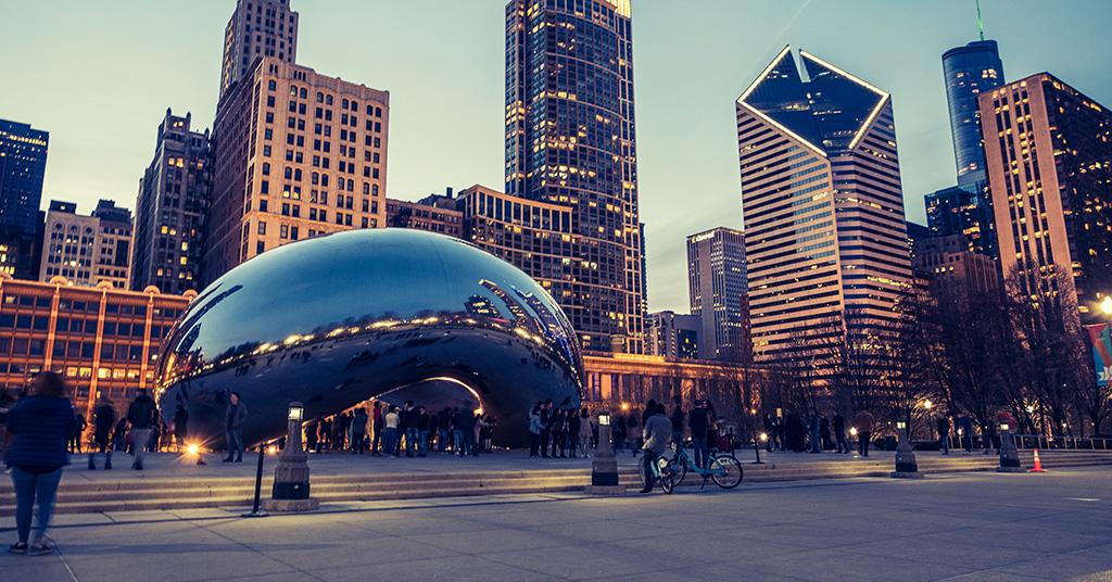 Cloud Gate sculpture in Millenial Park downtown Chicago