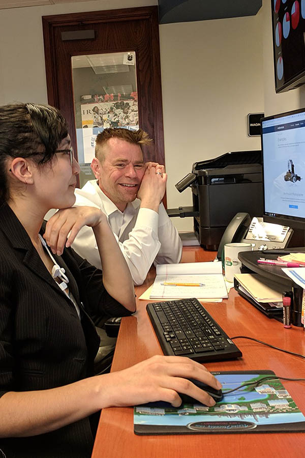 Visionfriendly.com employees collaborating ideas for a new website